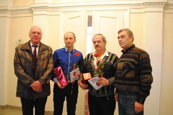 Držitelia Diamantovej Janského plakety. Zľava J. Servátka, Štefan Maľák, Jozef Schlesinger a František Spišák.