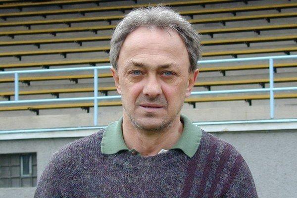 Oliver Čík. Bývalý futbalista a dlhoročný tréner zomrel vo veku 67. rokov.