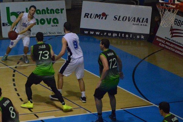Nečakané prekvapenie. Víťazstvom o desať bodov prekvapili a potešili spišskonovoveskí basketbalisti nielen seba, ale aj verných fanúšikov.