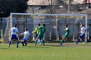 Vyrovnávajúci gól v derby. Po polhodine hry umiestnenou strelou Matúš Hudák vyrovnal na 1:1.