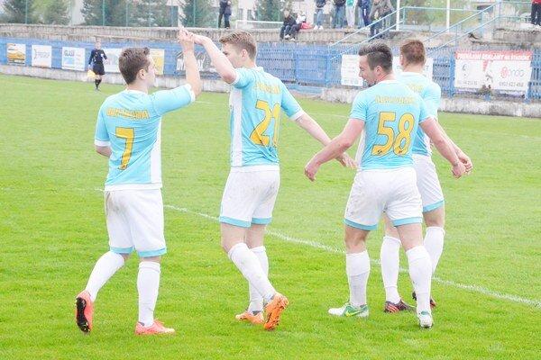 Až štyri góly na tri body. Štyrikrát sa futbalisti Spišskej Novej Vsi radovali zo streleného gólu a nakoniec aj z plného bodového zisku.