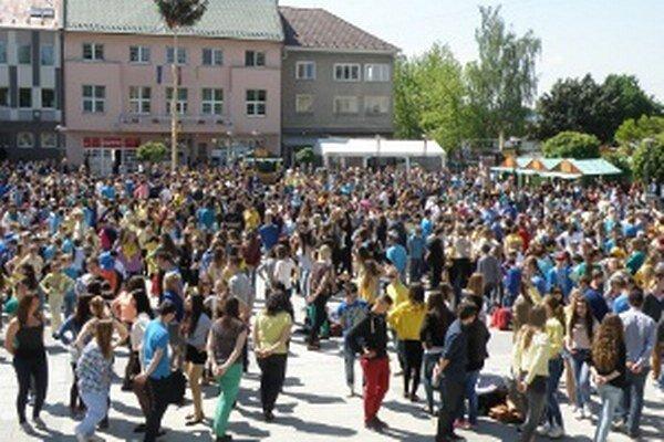 Čardáš tancovali študenti, seniori aj mestskí poslanci.