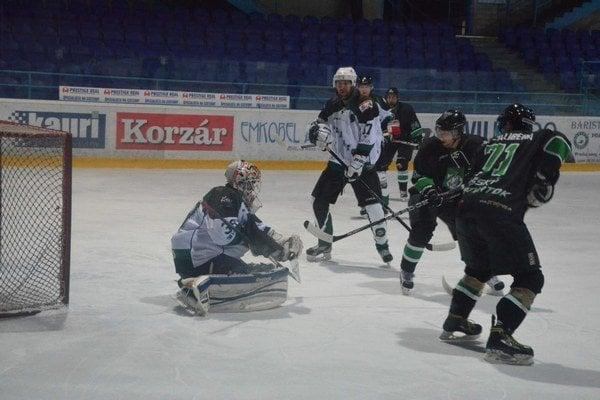 V amatérskej hokejovej lige v základnej časti dominuje Spišský Štvrtok.