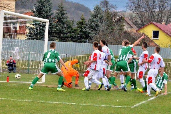 Vyrovnávajúci gól Vlašanov. V 56. minúte kapitán Spišských Vlách Tomáš Šefčík týmto gólom zariadil aspoň remízu.