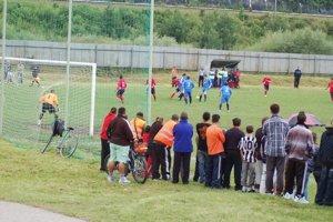 Žiacky zápas v Richnave sa skončil útokom na rozhodcu.