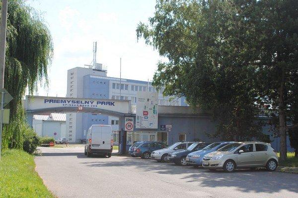 Priemyselný park. Sídli v ňom firma CRW Slovakia.