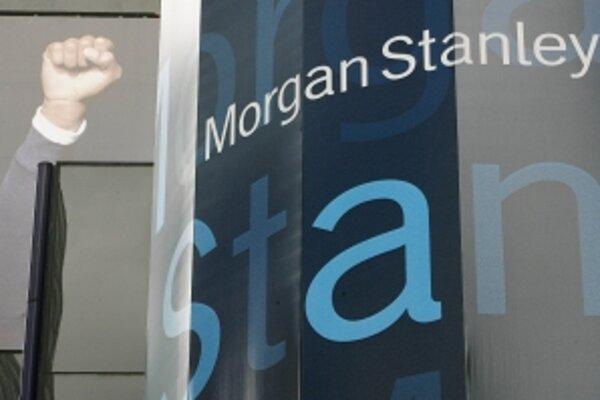 Okno hlavného sídla investičnej banky Morgan Stanley v New Yorku.