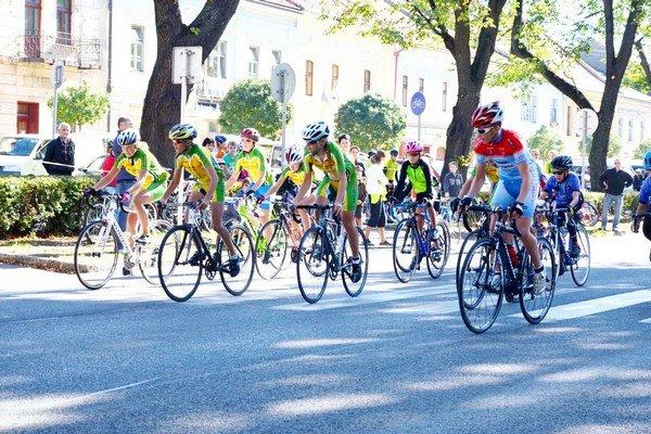 Cyklisti z celého Slovenska na Spiši. Cez víkend patrila Spišská Nová Ves cyklistom. Dvojdňové preteky mali výbornú úroveň.