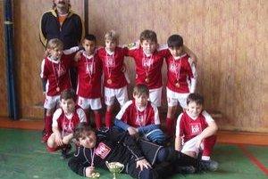 Základ futbalu v Mníšku n/H. Bez kvalitnej mládeže nemôže futbal v klube napredovať. Toho sú si vedomí v Mníšku n/H, kde dlhé roky s futbalom začínajú malé Tigríčatá.