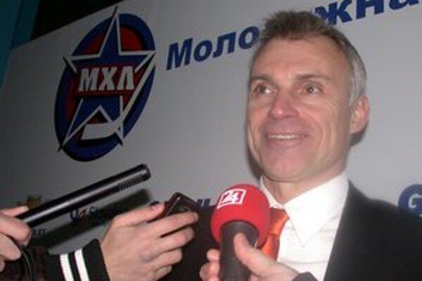 Víťazná premiéra. Nový tréner Tatranských Vlkov Róbert Pukalovič začal víťazne.