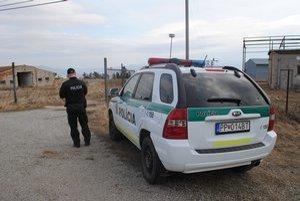 Uloža. Včera boli na mieste činu policajti.