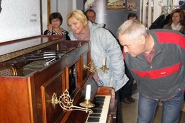 Hudobný automatofón. Svojou hudbou zaujme každého návštevníka.