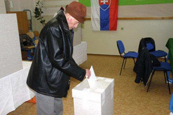 Štefan Gürtler si nenechal ujsť šancu hlasovať v prvom kole prezidentských volieb.
