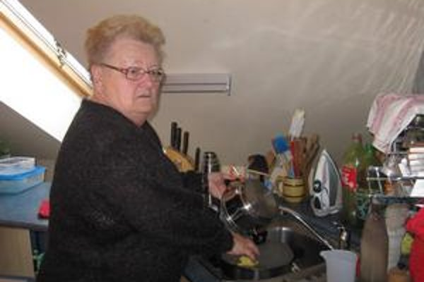 Konečne. Po dva a pol dni mohla pani Kirolová konečne začať umývať riad.