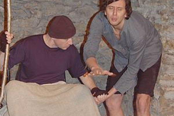 Smiech v temnote. P. Čižmár a M. Macala na domovskej scéne v hre S. Becketta.