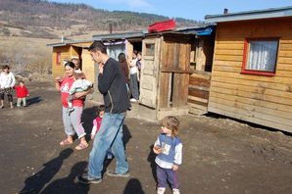 Rómovia o sťahovaní zo svojich príbytkov nechcú ani počuť.