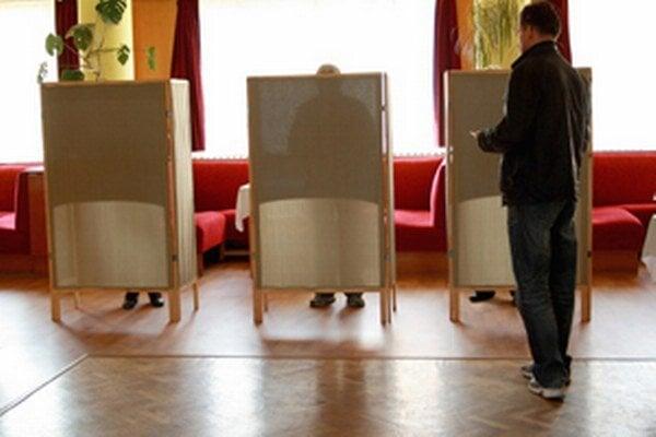 Voľby v bojnickom štvrtom okrsku.