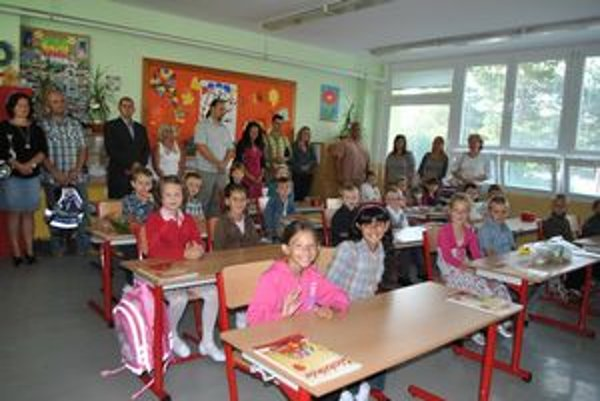 Prváci z I. B. Triednou učiteľkou im bude Miriam Dovalová.