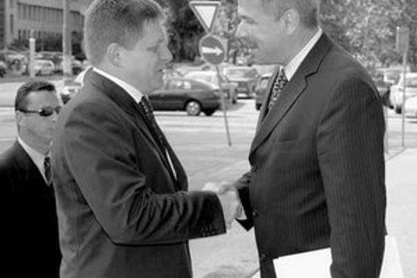 Premiér Fico a guvernér Národnej banky Šramko majú odlišné názory na fungovanie dôchodkového sporenia.