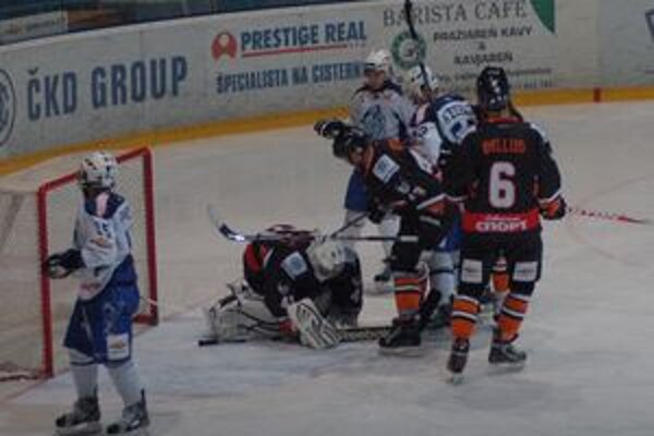 Hruška oporu. Brankár Tatranských vlkov Petr Hruška patrí medzi najväčšie opory mužstva.