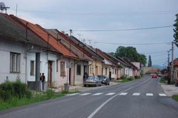Vajanského ulica. V územnom pláne je časť ulice zadefinovaná ako asanačné pásmo.