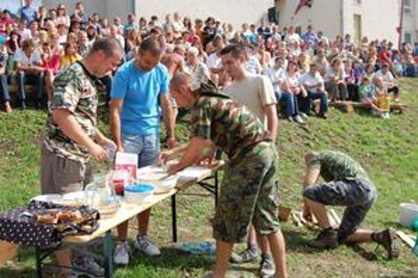 Rýchla rota Slovakia. Armáda SR je plná šikovných chlapcov, ktorí si hravo poradia aj s pirohmi.