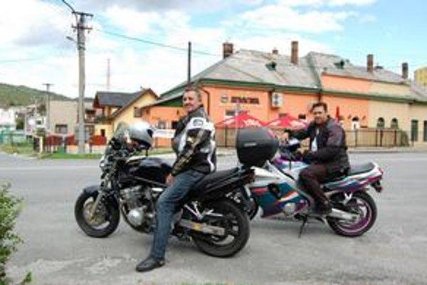 Valér a Drahuš. Už roky jazdia na motocykloch bez vážnejších nehôd.