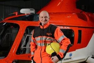 K posádke zrúteného vrtuľníka patril aj lekár Marek Rigda.