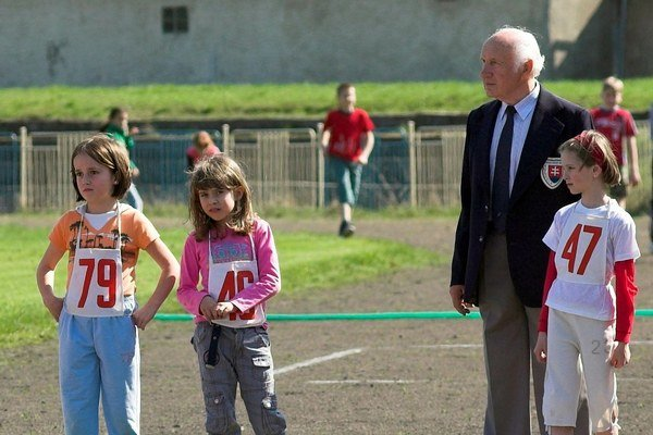 Ako rozhodca. Július Frkáň na súťaži detí.