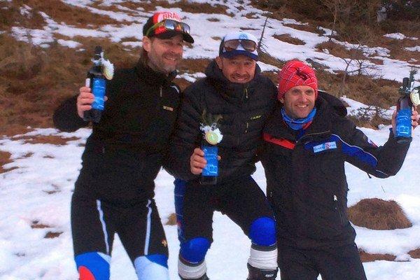 Naďalej medzi najlepšími. Martin Legutky ml. (vpravo) na bronzovom stupni.