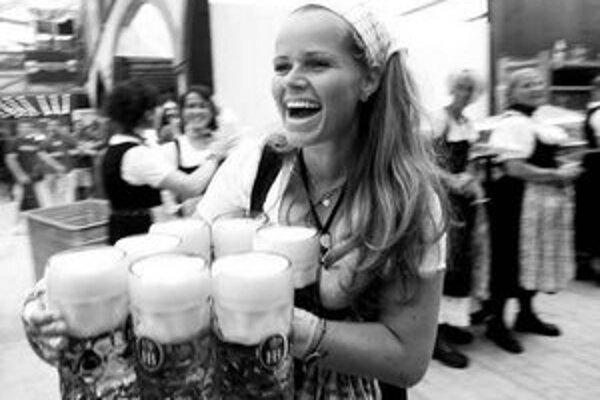 Pokles blahobytu v Nemecku sa tradičných slávností piva v Mníchove zrejme tak skoro nedotkne.