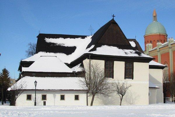 Drevený kostol vKežmarku. Je zapísaný vzozname UNESCO.