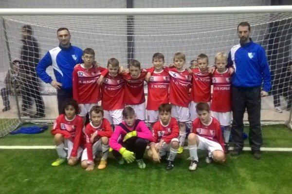 Chlapci FK Poprad. Na turnaji vKorni potešili.
