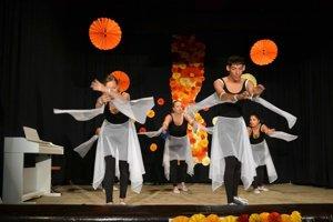 Kultúrny program. Deti z Domova sociálnych služieb predviedli svoje tanečné schopnosti.