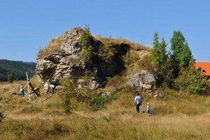 Miesto nálezu výliatku lebky neandertálca ožíva.