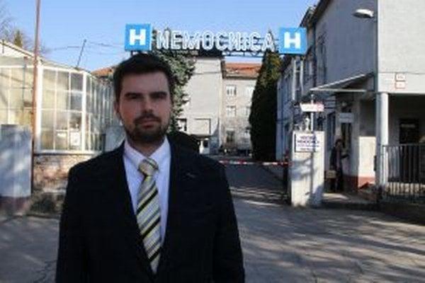 Mestská nemocnica prišla odchodom Martina Cimráka (na snímke) o právnika aj ekonóma. Mesto novej riaditeľke odkázalo, že si to má riešiť, ako len chce.