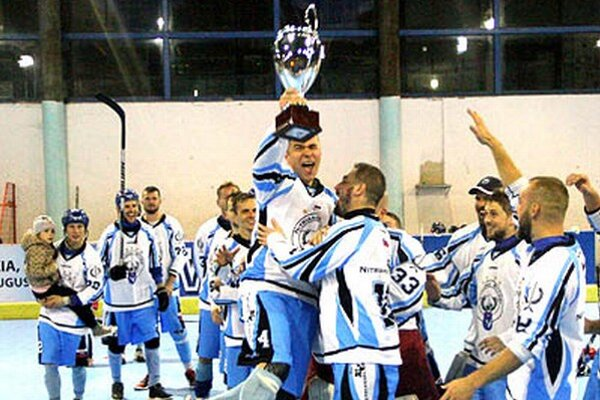 Víťaznú trofej ako prvý nad hlavu zdvihol Filip Titka, ktorý sa zapísal aj do streleckej listiny.