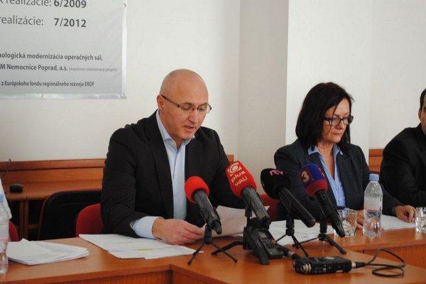 Riaditeľ nemocnice Jozef Tekáč chce prešetrenie. Ak sa zistí, že pochybil, sám odstúpi.