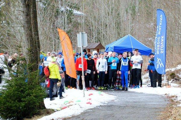 Na štarte. Bežci súťažili v Tatranskej Lesnej.