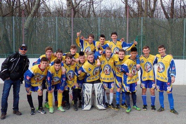 Worms Kežmarok U16. Po víťazstve nad družstvom HBT Slovan Bratislava.