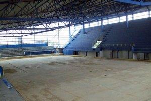 Kopec trosiek. Z tohto chcú opäť vybudovať štadión.