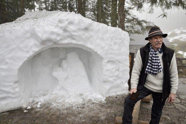 Aj snehový betlehem poznačil nedostatok snehu.