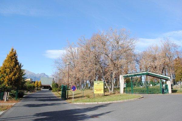Cintorín v Poprade–Veľkej. Spravuje ho mestská eseročka.