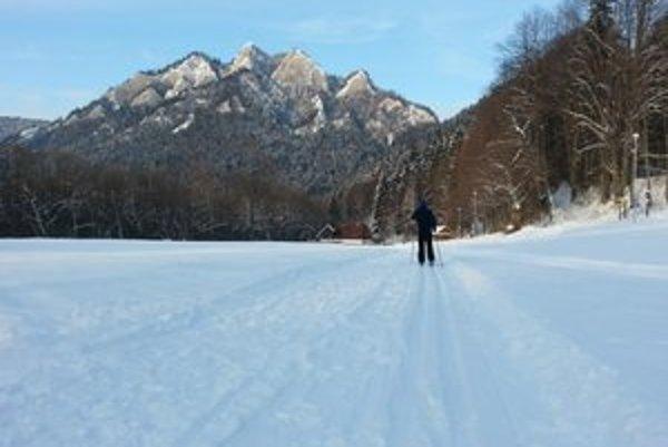 Pieniny v zime. Ponúkajú 22 kilometrov upravených bežeckých tratí.