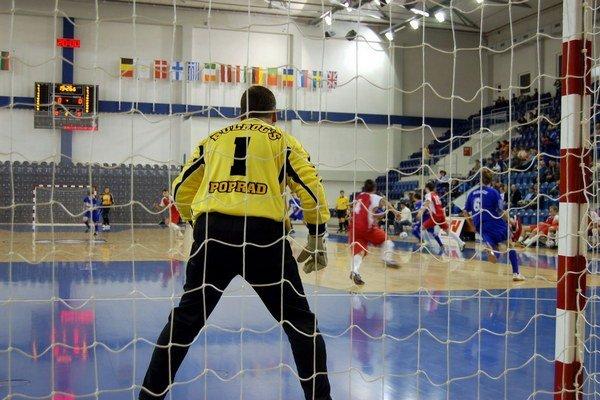 V minulosti sa hrala extraliga. Futsal sa vracia do Arény Poprad.