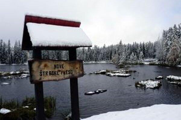 Vysoké Tatry a ich okolie majú za sebou prvú väčšiu snehovú nádielku.