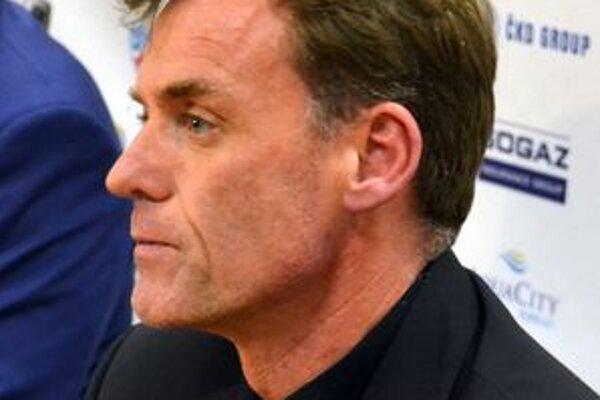Tréner HC Lev Poprad Radim Rulík verí v úspešný trip vonku.