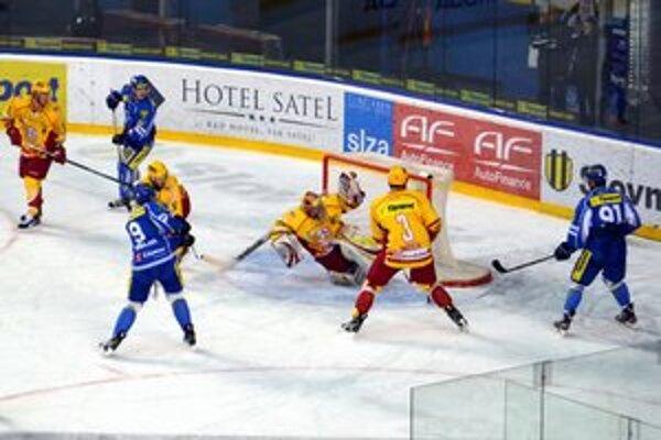 Gól na 2:0. Kuľha sa v prvom zápase blysol hetrikom.