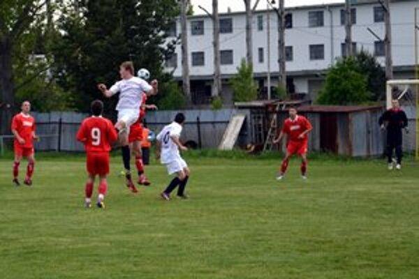 Plný bodový zásah hostí. Poprad-Stráže prehral doma s Vrbovom 0:2.