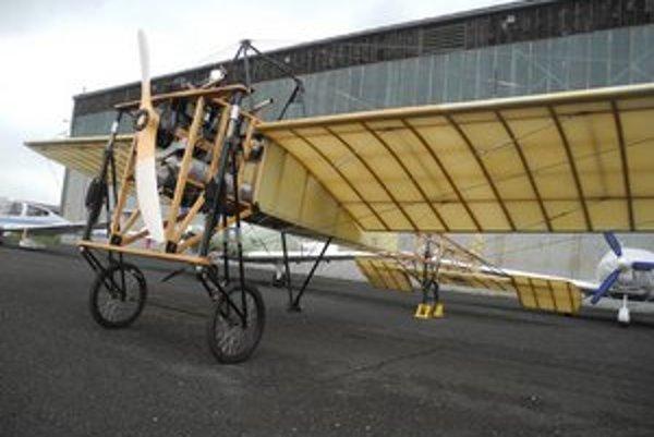 Blériot XI. Toto lietadlo sa na Slovensku predstaví po sto rokoch.
